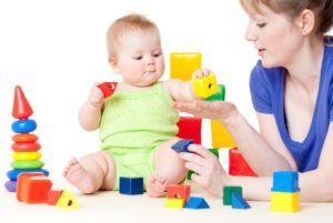Советы по выбору игрушек для детей младше трех лет