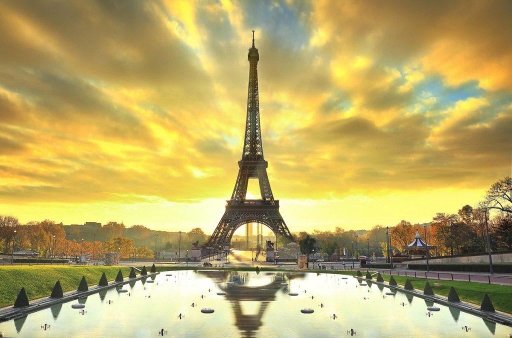 s1200 1 1 1024x676 - 25 интересных фактов об Эйфелевой башне